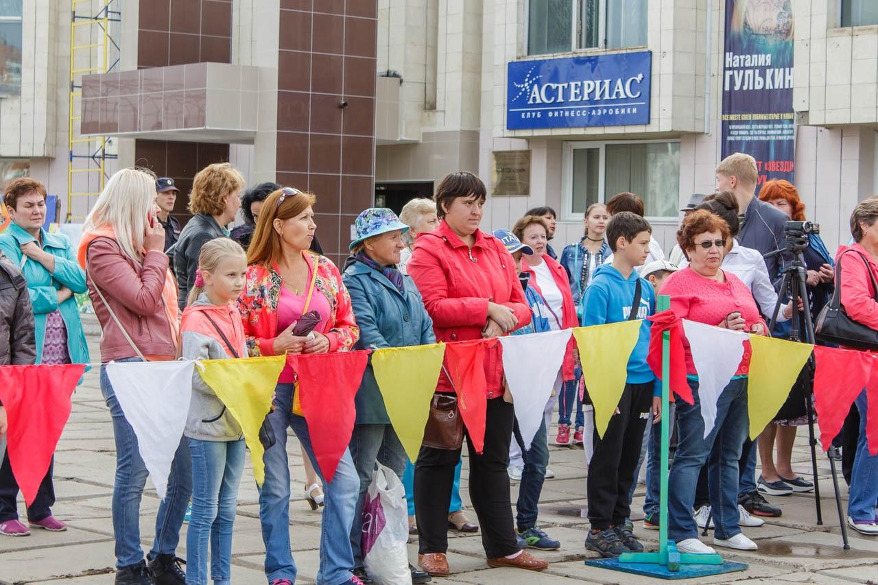 Den-flaga-Rossii-2016-004