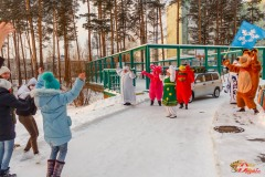 2020-12-01-Новогодний экспресс Дед Мороза и его свиты