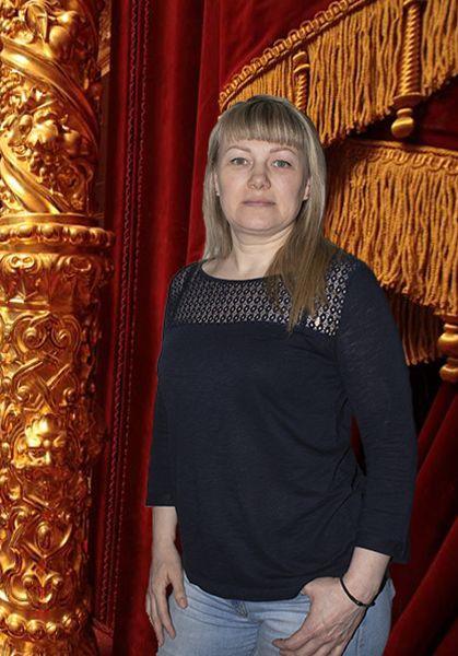 Кравцова Елена Михайловна : Заведующий костюмерной
